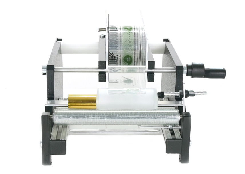 Manual label applicator